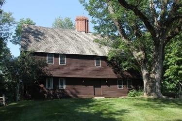 Parson Capen House (1683)