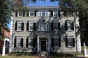 Phillips House (1821)